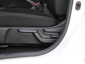2018款1.5L CVT舒适天窗版 座椅调节