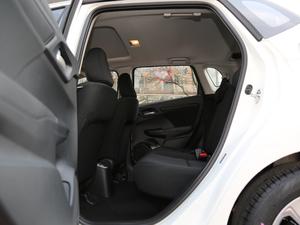 2018款1.5L CVT舒适天窗版 后排空间