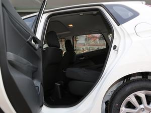 2018款1.5L CVT舒适天窗版 后排座椅放倒