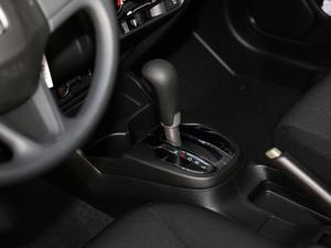 2018款1.5L CVT舒适天窗版 变速挡杆
