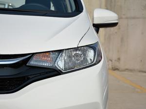 2018款1.5L CVT舒适型 头灯