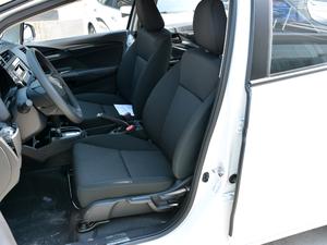 2018款1.5L CVT舒适型 前排座椅