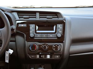 2018款1.5L CVT舒适型 中控台