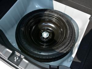2018款1.5L CVT舒适型 备胎