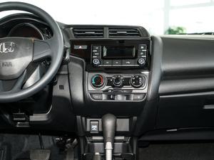 2018款1.5L CVT舒适天窗版 中控台