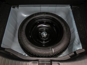 2018款1.5L CVT潮跑+版 备胎