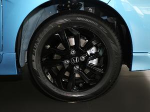 2018款1.5L CVT潮跑版 轮胎