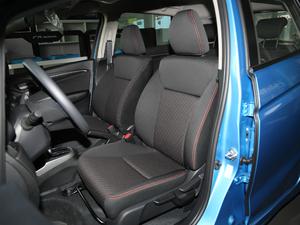 2018款1.5L CVT潮跑版 前排座椅