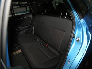 2018款1.5L CVT潮跑版 后排座椅