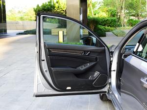 2018款1.5T 基本型 驾驶位车门