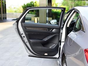 2018款1.5T 基本型 后车门