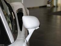 细节外观迈凯伦540C后视镜