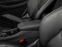 空间座椅迈凯伦540C前排中央扶手