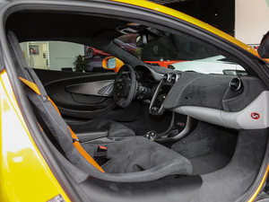2019款3.8T Coupe 全景内饰