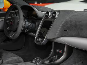 2019款3.8T Coupe 中控台