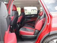 空间座椅上汽MAXUS D60后排空间