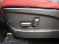 空间座椅上汽MAXUS D60座椅调节