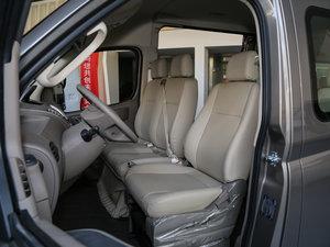 2016款2.5T AMT商杰长轴中顶15座 国IV 前排座椅