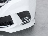 細節外觀上汽MAXUS G10霧燈