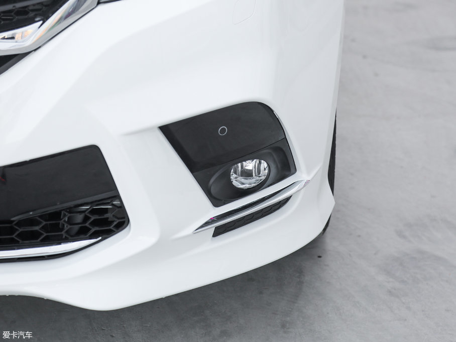 2018款上汽大通G10PLUS 2.0T 自动旗舰版