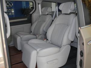 2018款PLUS 2.0T 自动豪华行政版 后排座椅