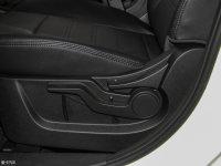 空间座椅绅宝X65座椅调节