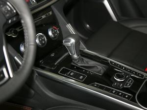 2018款改款 蓝标 2.0T 自动两驱智享型 变速挡杆