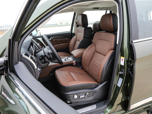2017款2.0T 自动豪华型 7座 柴油 前排座椅