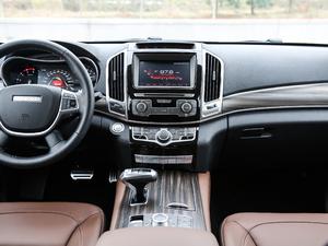 2017款2.0T 自动豪华型 7座 柴油 中控台