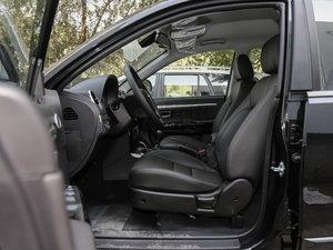 2018款经典版 2.0T 手动两驱精英型 汽油 前排空间