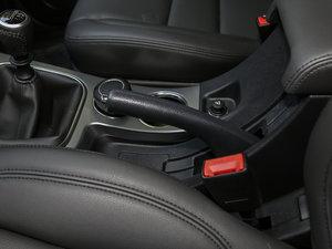 2018款经典版 2.0T 手动两驱精英型 汽油 驻车制动器