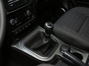 2018款经典版 2.0T 手动四驱进取型 汽油 变速挡杆