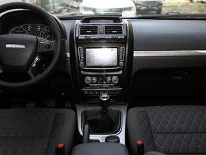 2018款经典版 2.0T 手动四驱进取型 汽油 中控台