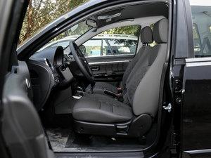 2018款经典版 2.0T 手动四驱进取型 汽油 前排空间
