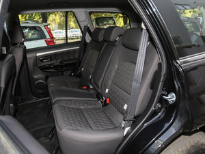 2018款经典版 2.0T 手动四驱进取型 汽油 后排座椅