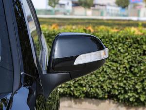 2018款经典版 2.0T 手动四驱尊贵型 汽油 后视镜