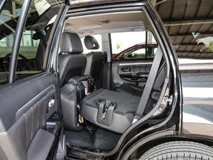 2018款经典版 2.0T 手动四驱尊贵型 汽油 后排座椅放倒