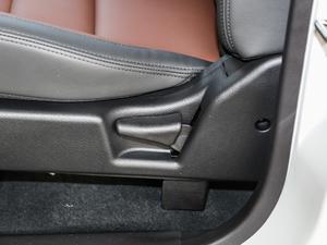 2018款经典版 2.0T 手动四驱精英型 汽油 座椅调节