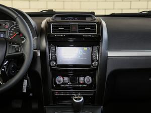 2018款经典版 2.0T 手动四驱精英型 汽油 中控台