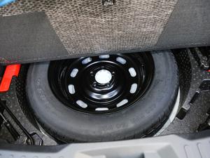 2017款L 红标 2.0T 自动豪华型 备胎