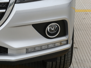 2018款红标 1.5T 手动精英型 雾灯