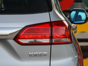 2018款红标 基本型 尾灯