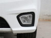 细节外观华骐300E雾灯