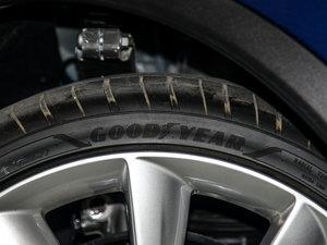 2016款90D 轮胎品牌