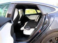 空间座椅MODEL S后排空间