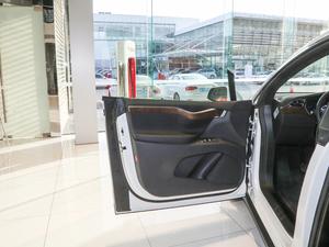 2018款基本型 驾驶位车门