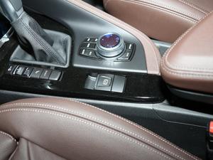 2019款xDrive25Le 豪华型 驻车制动器