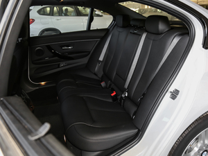 2019款320Li M 运动套装 后排座椅