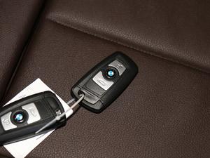 2019款320Li xDrive 时尚型 钥匙