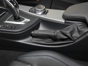 2019款320i M 运动套装 驻车制动器